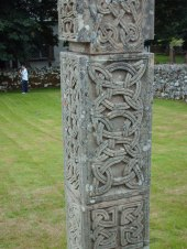 Celtic_carvings_in_Croick_Churchyard_-_geograph_org_uk_-_704673